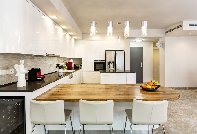 מטבח מודרני לבן